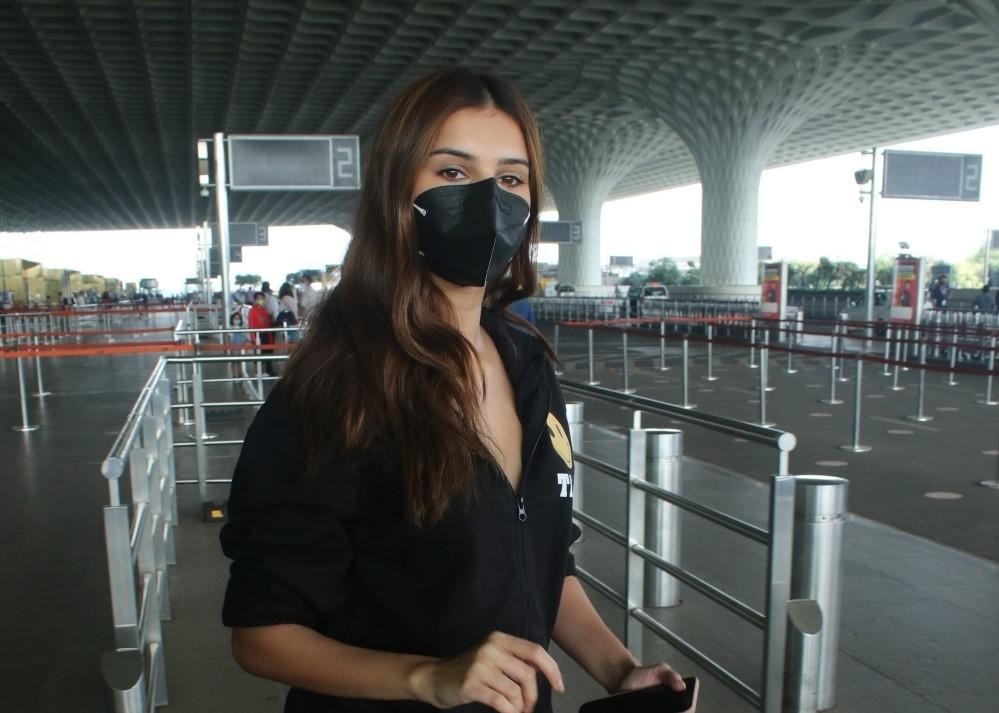 Tara sutaria spotted at airport departure