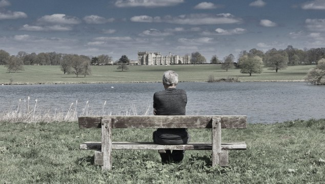 old woman on the bench - retirement mistakes to avoid