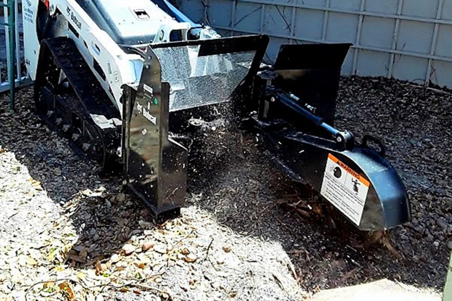 Stump Grinding and Stump Removal Loxahatchee, Royal Palm Beach, Wellington, FL - SaveMore Tree Service