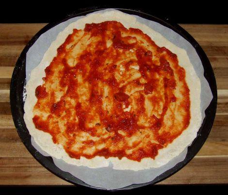 la sauce tomate de la pizza jambon artichaut