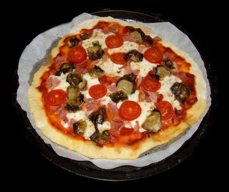 la pizza jambon artichaut sortie du four