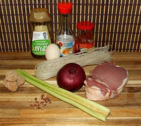 les ingrédients du porc au caramel vietnamien