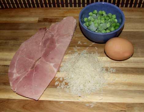 les ingrédients du riz cantonais au wok