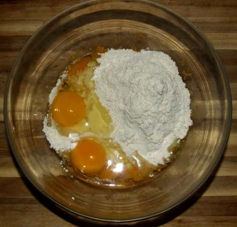 la préparation de la pâte pour le goûter d'Halloween
