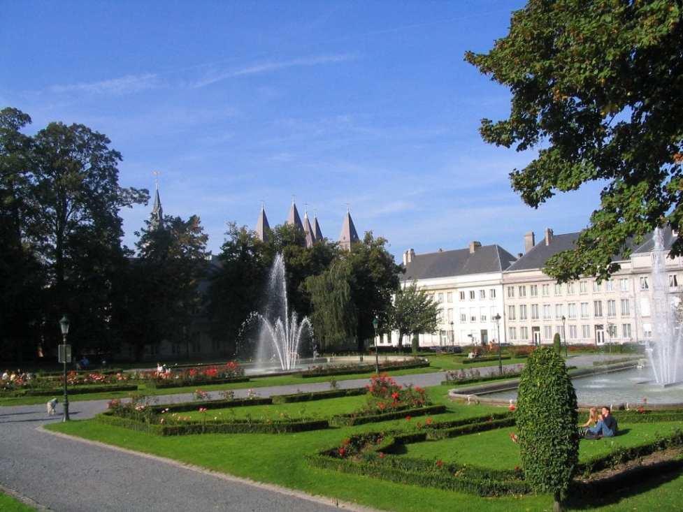 ville aux cinq clochers - parc reine astrid tournai
