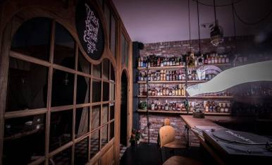 watch smell taste & having fun Alcools fins & sensations: découverte d'un concept store enivrant
