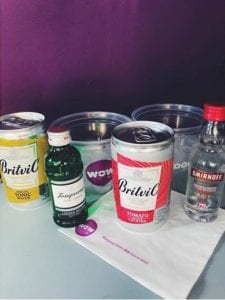 Pourquoi boire de l'alcool en avion est une mauvaise idée