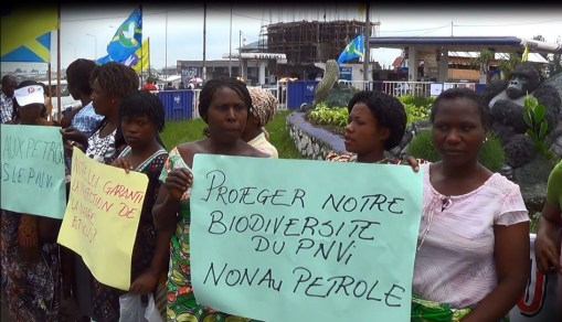 Communities ask the DRC Government among other things to respect the national and international laws that direct the environment(al) issues; to revise the contract signed between DRC Government and SOCO for the exploration and exploitation in Block V and let local communities participate in this revision process.
