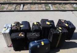 luggage-585148_640