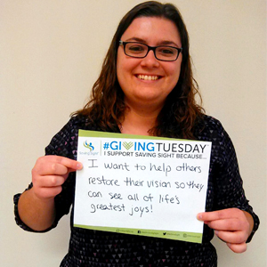 Show others why you support Saving Sight on #GivingTuesday with a #UNselfie