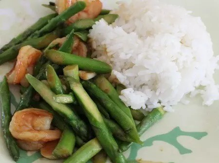 The Dinner Daily: Easy Meal Plans for Saving Time and Money