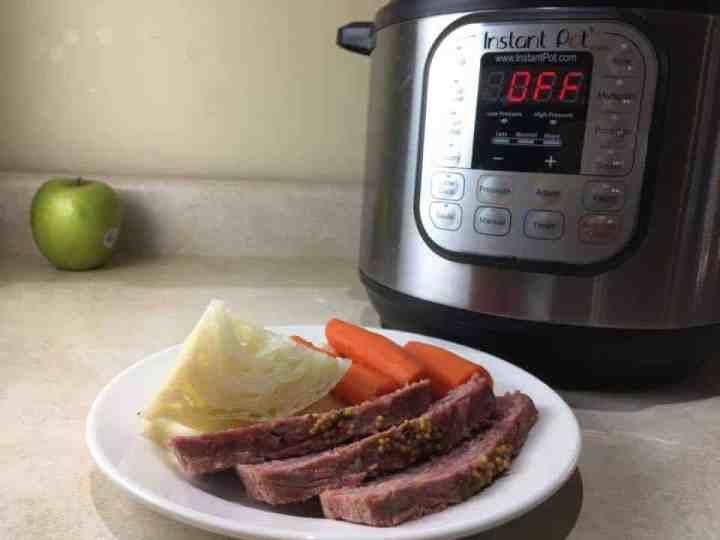 how to cook a corned beef in the instant pot