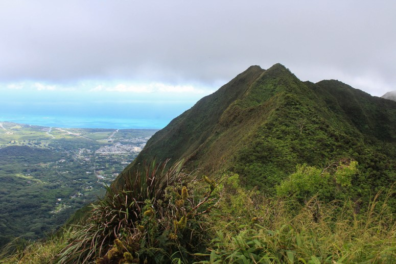 Hiking Mau'uame Trail to Lanipo Summit