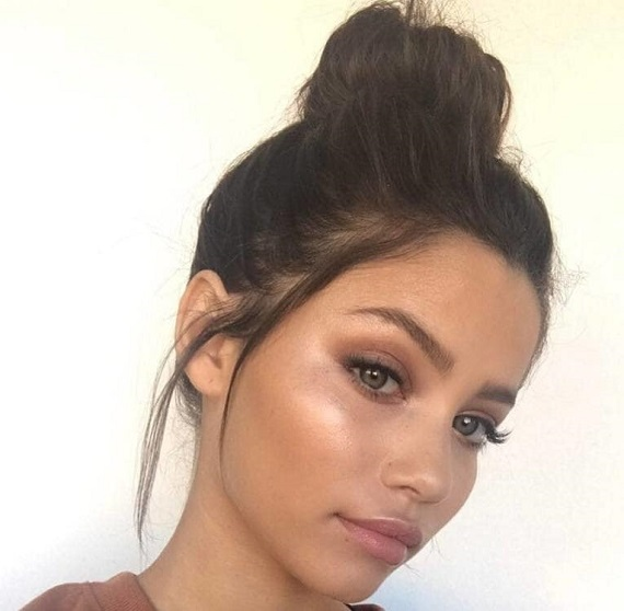Hairstyles for Oily Hair - 21