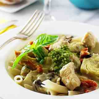 Spelt Penne Pasta with Chicken, Artichokes and Mushrooms