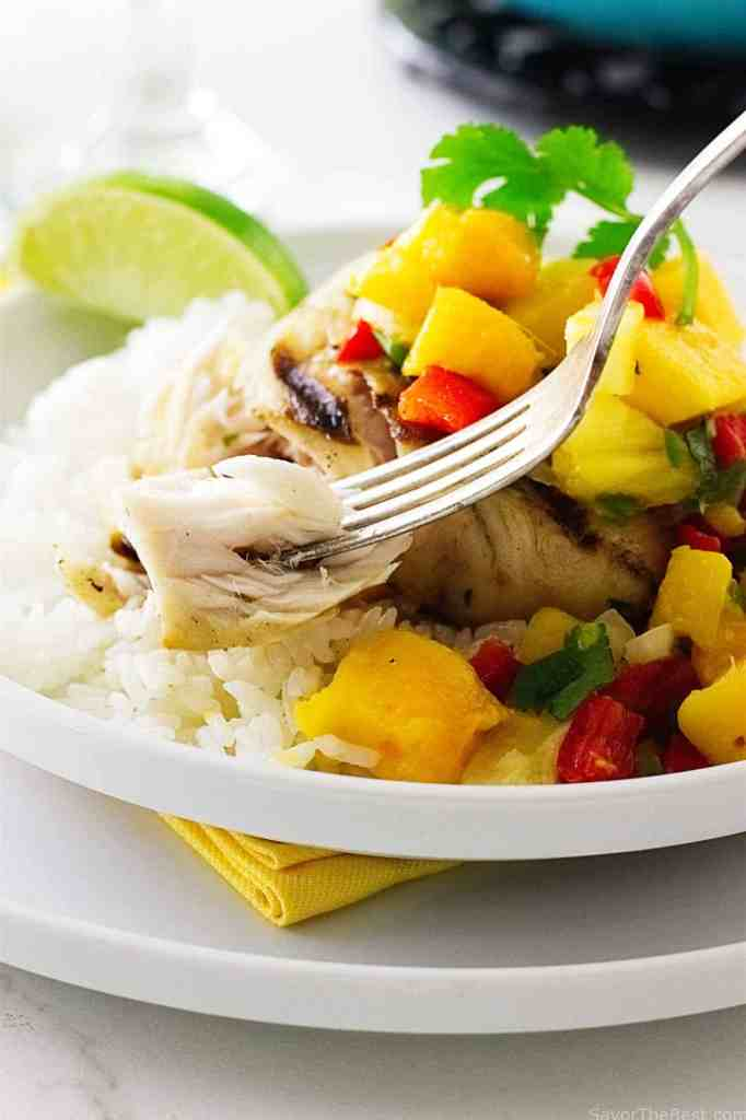 Grilled Mahi-Mahi with Fresh Mango Salsa