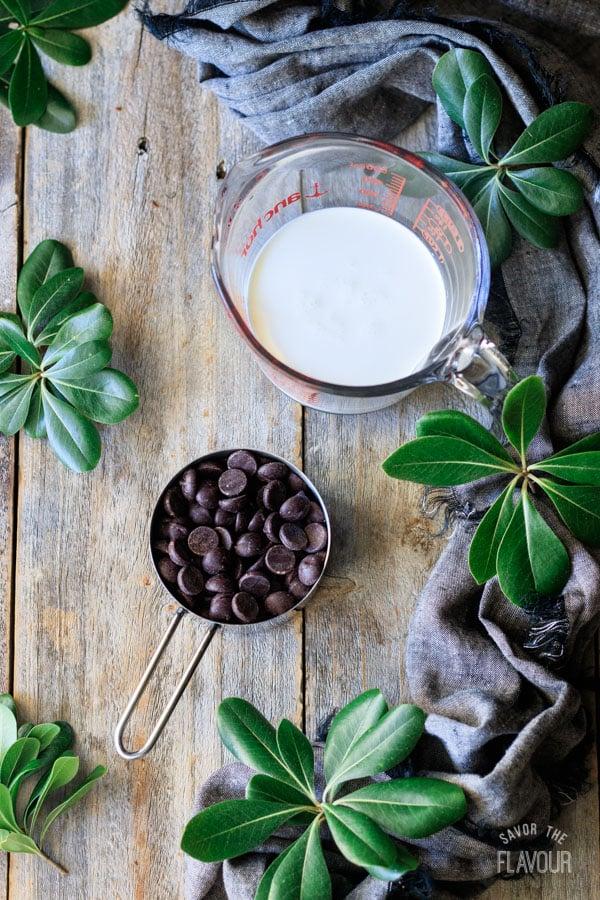 chocolate ganache ingredients for sachertorte