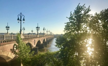 Pont Pierre in Bordeaux, great morning view!