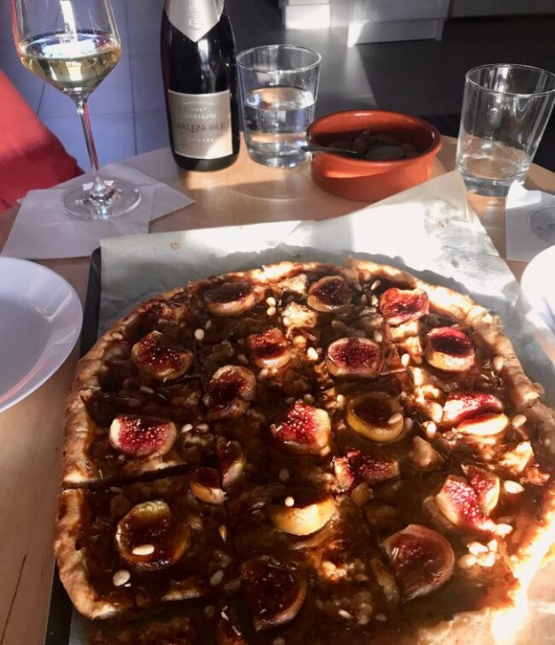 Caramelized onion, Gorgonzona and Fig Tart pairs with AR Lenoble Champagne