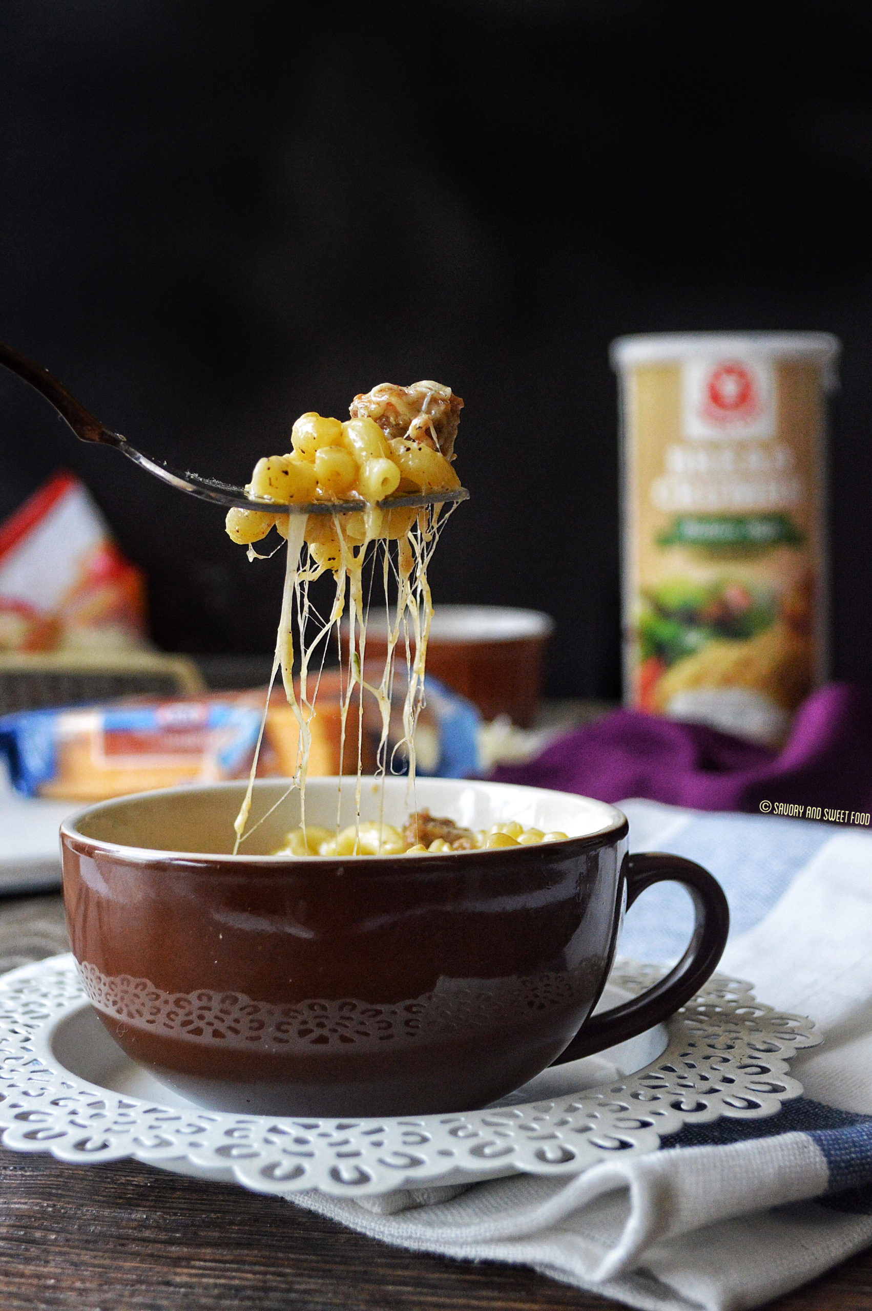 instant microwave mac cheese in a mug