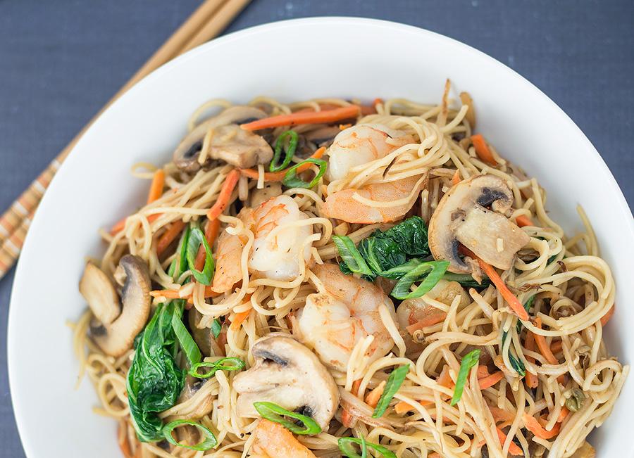 Me, please asian noodles with shrimp
