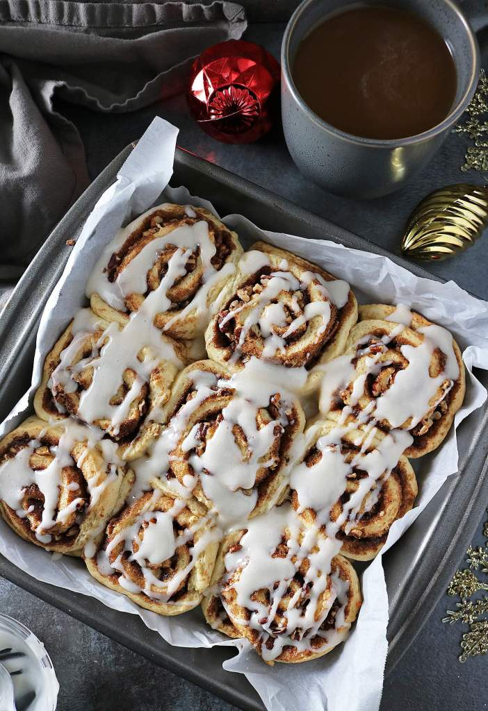 Easy Cinnamon Cardamom Rolls With International Delight® Coffee Creamer
