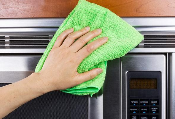 Tips for cleaning microwave
