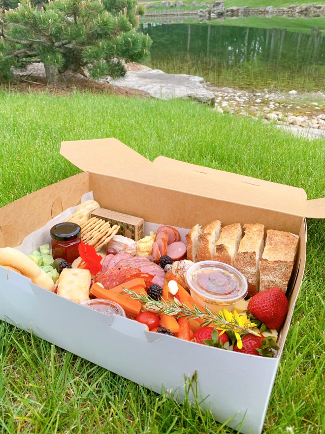 U of A Botanic Garden Picnic Box for Two