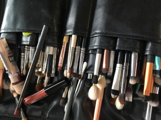 Wallet/roll of make up brushes