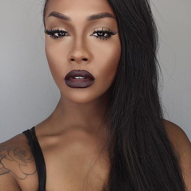 Girls-Wearing-Dark-Lipstick (2)