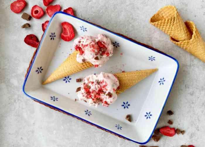 Erdbeer Joghurt Eis