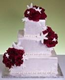 Winter Wedding Cakes We Love15
