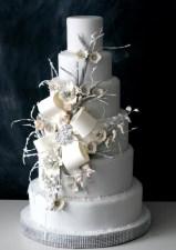 Winter Wedding Cakes We Love6