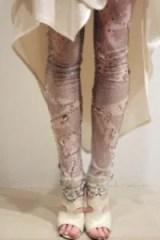 Lovely legs in cool ThreeAsFour leggings