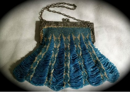 Vintage 20's beaded handbag