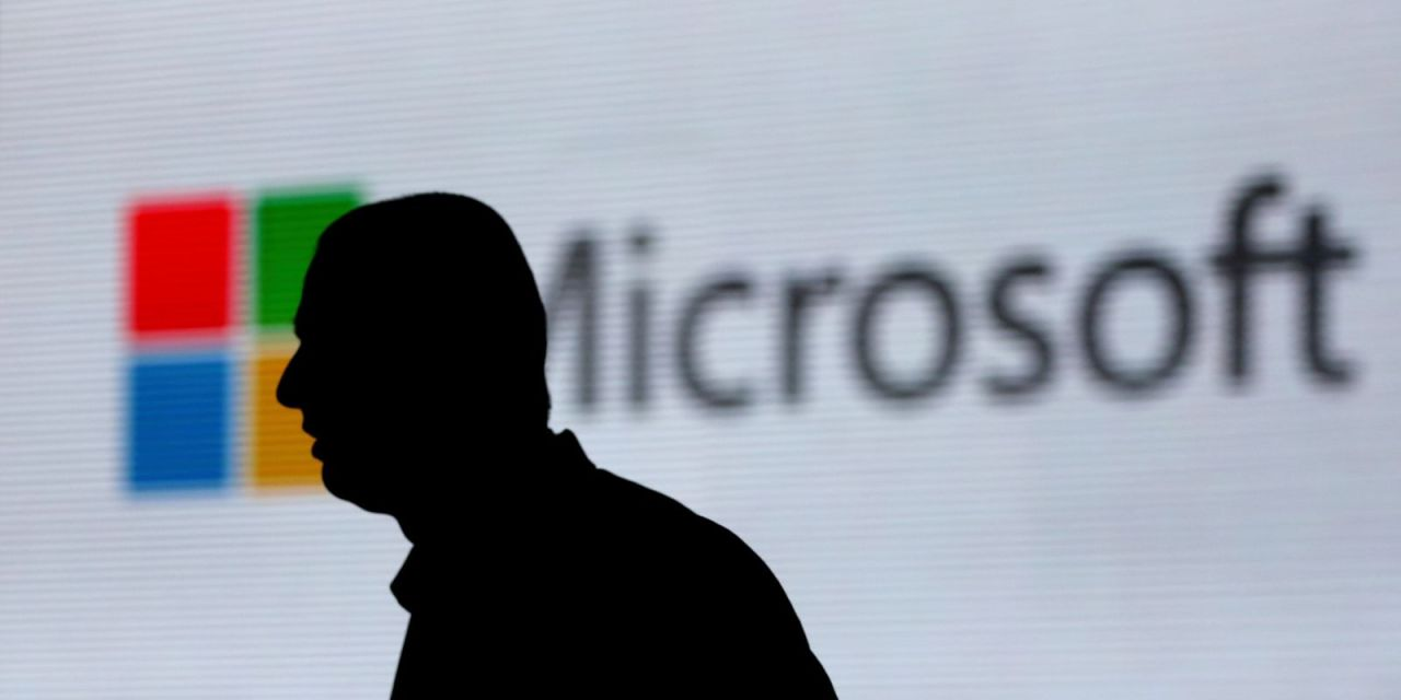 Microsoft Bans Employees From Using Slack, Has AWS and Google Docs on a 'Discouraged' List