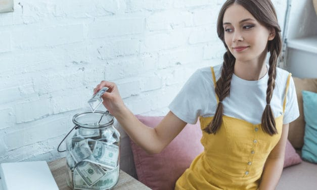 35 Simple Ways To Make Money as a Teen in 2021