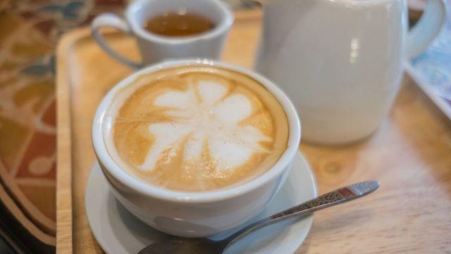 ชากาแฟ วัยเก๋า sawadd