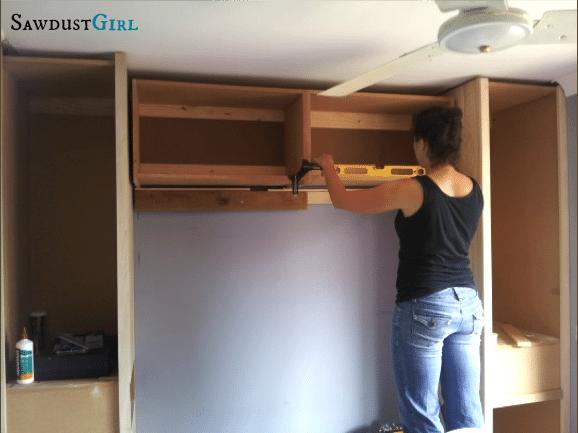 Small bedroom solutions - built-ins