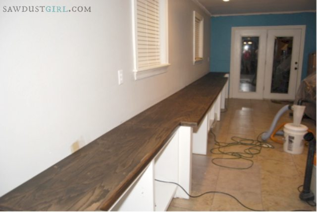 Staining the oak plywood countertops