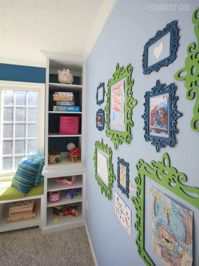 playroom-art-display