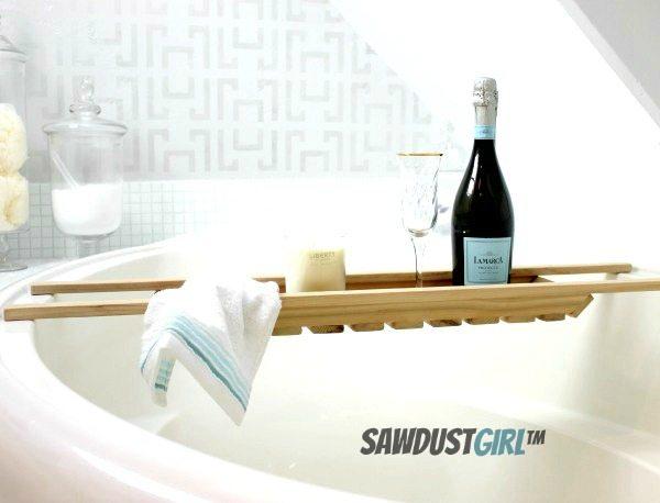 Free plans for an Easy DIY Bath Caddy