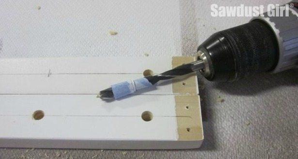 Depth gauge for drilling holes