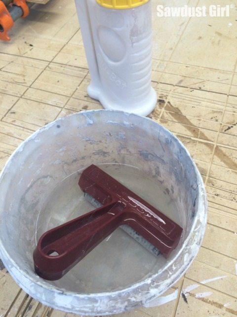 don't let glue dry on roller