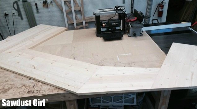 Building a Wood Countertop with mitered corners and angles.