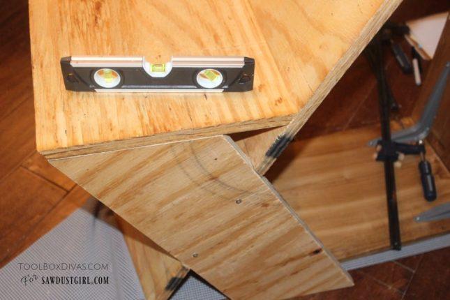 Building a plywood diy chair