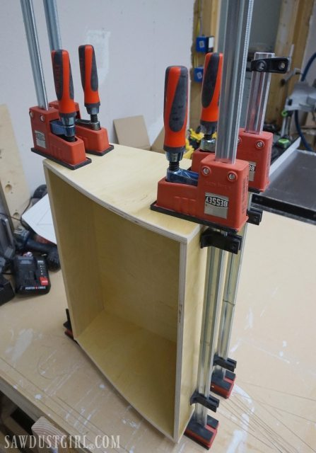 Building curved sided drawer