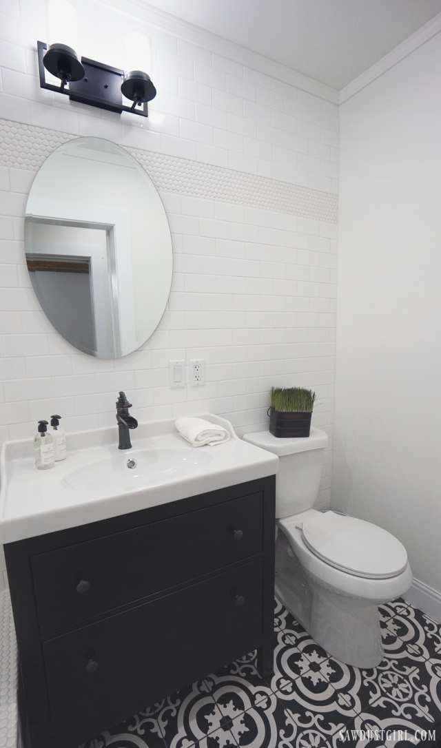 black and white bathroom tile