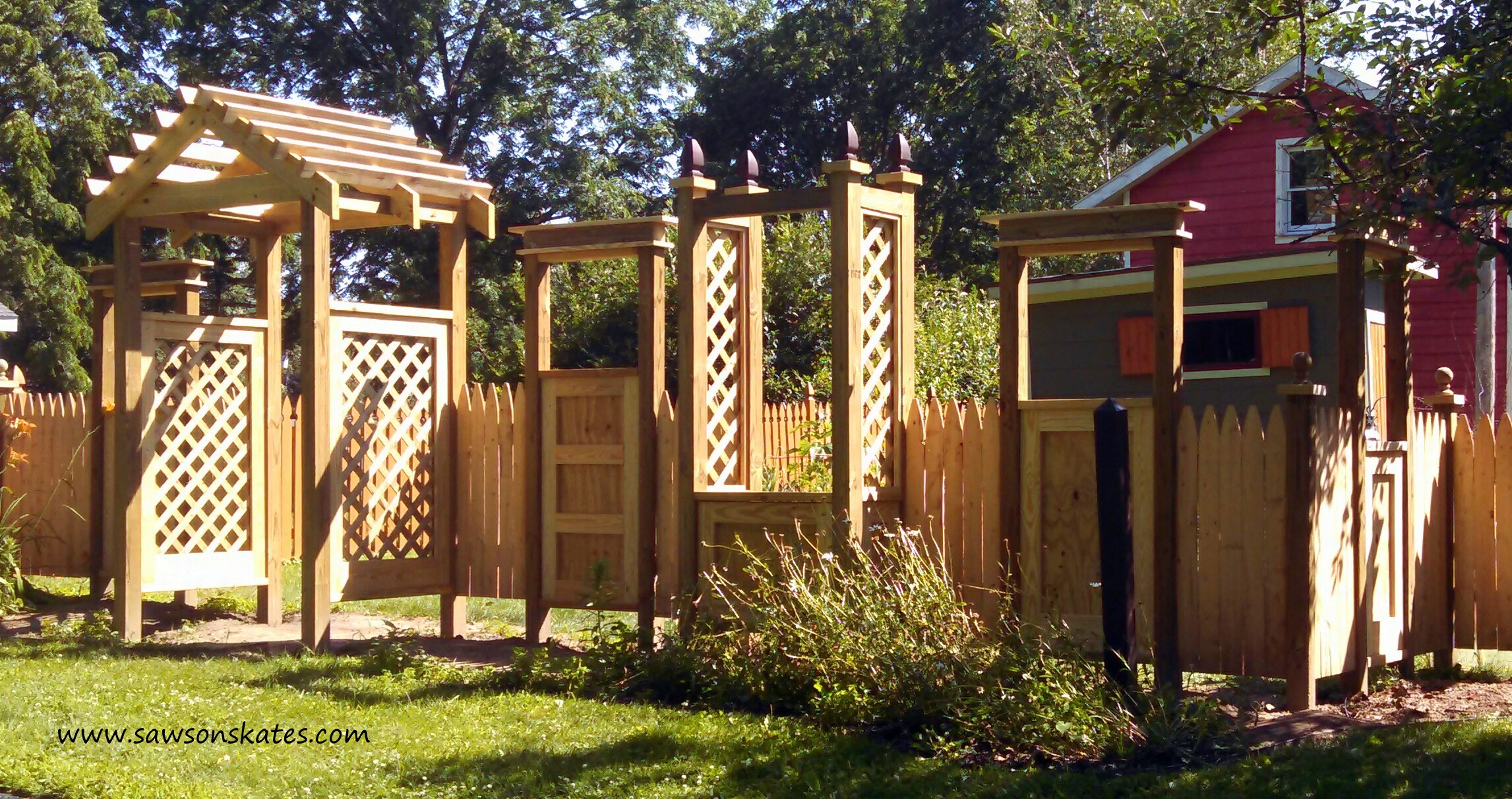 diy whimsical outdoor living room fence