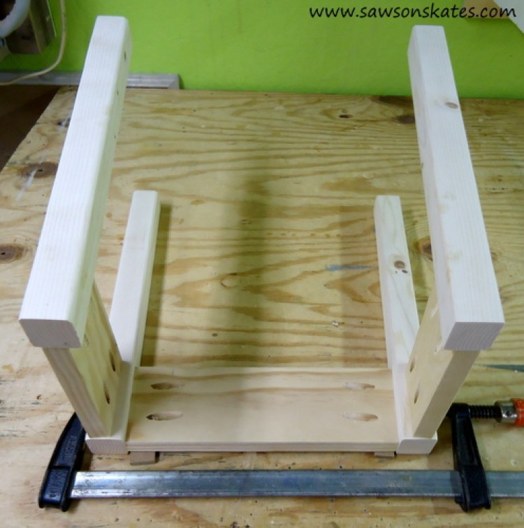 Stool Attach Long Side 1